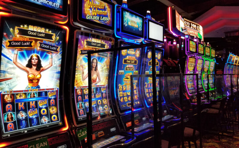 Slots | Deerfoot Inn & Casino
